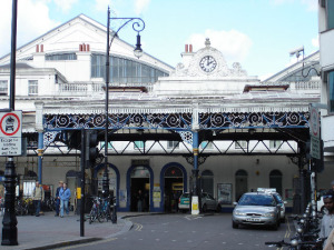 Brighton Station exterior - Picture Wiki Commons