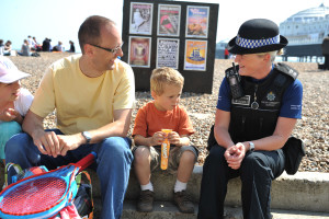 Sussex_Police_And_Public_Beach_Family_Kids2