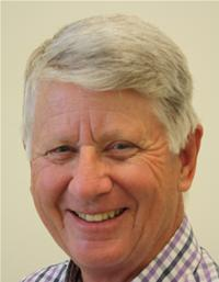 Councillor Garry Peltzer Dunn