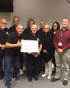 woodingdean-neighbourhood-watch-receive-cheque-from-chief-inspector-chris-veale