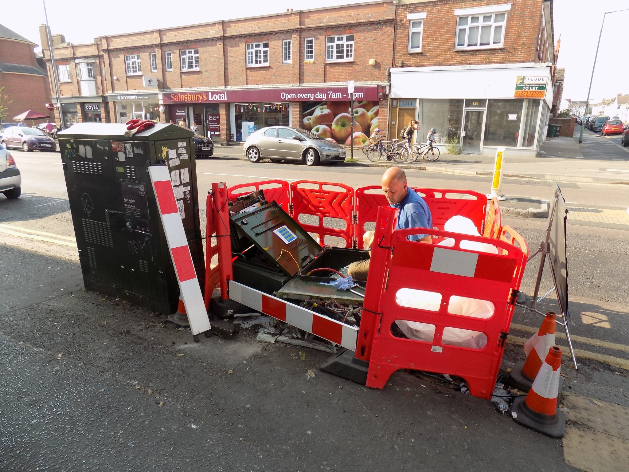 Brighton And Hove News Hundreds Without Phone Or Internet After Wiring Openreach Box Truck Takes Out Bt Cabinet