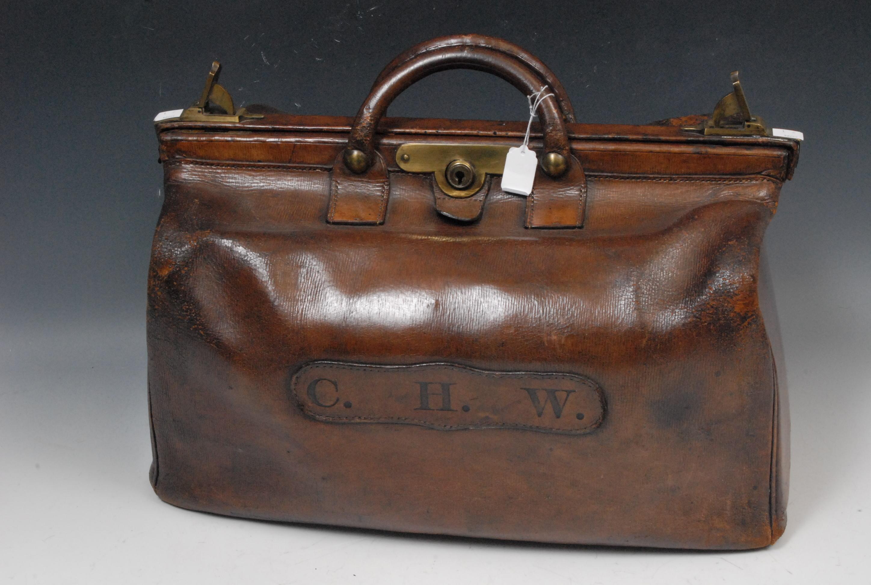 A Handbag Oscar Wilde Classic Comes To Boat